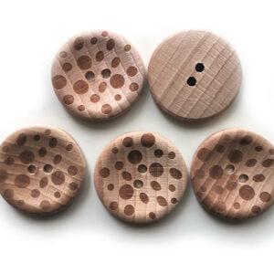 Guziki drewniane bukowe 28 mm 04